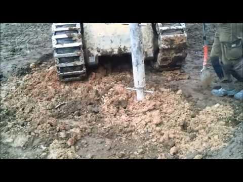 House build. Foundations: Drilling Piles - Namo statyba. Pamatai: Poliu grezimas.