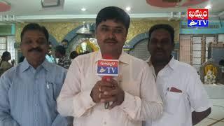 షిర్డీ సాయిబాబా మందిర్ లో ప్రత్యేక పూజలు  (వీడియో)