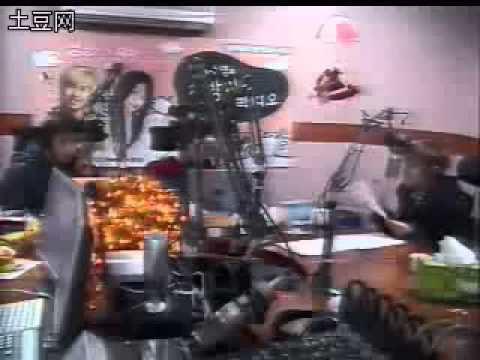 [20071224] SNSD Sooyoung, SUJU Sungmin & Ryeowook - Santa Claus is Coming to Town (Korean Ver)