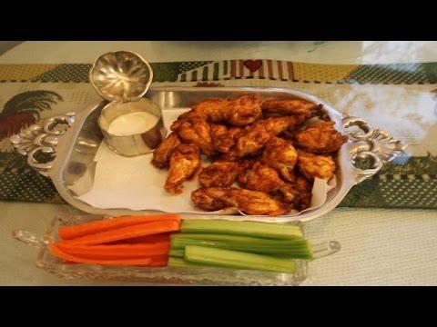 Hình ảnh trong video Best Buffalo Chicken Wings Recipe