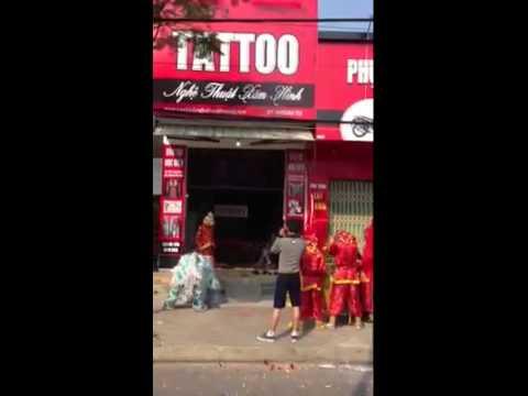 Tuấn Tattoo - múa Lân khai trương 132 Ngũ Hành Sơn