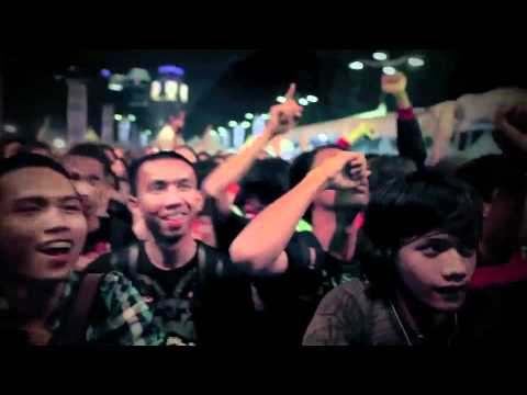 Cemetery Dance Club - Cinta Satu Malam (Melinda Cover live at Jak Cloth 2010)