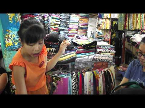 VIDEO SHOPPING DI BENH THANH MARKET-TEMPAH 2 BAJU KURUNG  1.3.2014 SABTU.
