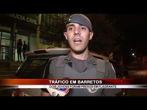 20/08/2019 - Dois jovens são presos por tráfico de drogas no Bairro Rios em Barretos