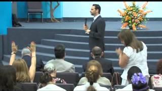 Levantando A Jesús- Pastor Aquiles Azar- 13 De Junio 2013