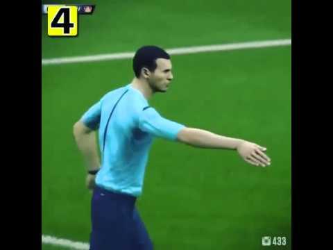 Tự vấp chân vào thủ môn ngã trong vòng cấm, được hưởng penalty