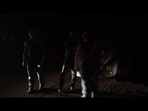 Vídeo Absurdo: Velório fica sem energia e população sofre com o descaso