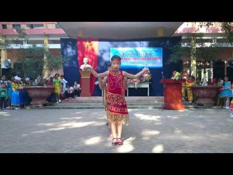 Chiều lên bản Thượng, 3B, tiểu học Chí Minh, Chí L