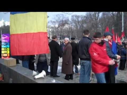Comuniștii au arborat drapel de partid la Guvern
