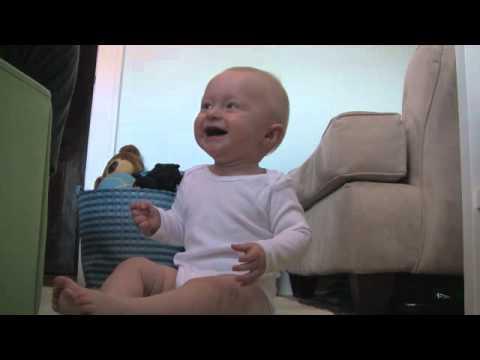 baby laughing at ripping paper Lorem ipsum dolor sit amet, consetetur sadipscing elitr, sed diam nonumy eirmod tempor invidunt ut labore et dolore magna aliquyam erat, sed diam voluptua at vero.