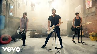 5 Seconds Of Summer - She Looks So Perfect (OMV)