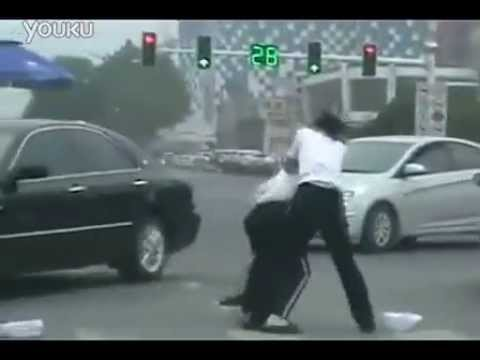 Women officers fist fight in traffic