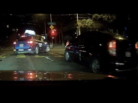 DeSoto Cab 8113 makes illegal right hand turn