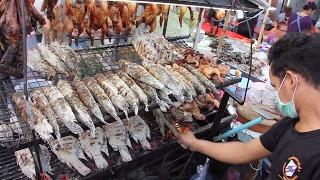 Thai Street Food - Pla Pao (Roasted Fish) at Central World Street Food Stalls in Bangkok!