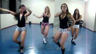 Juh E Suas Amigas Dançando Na Academia