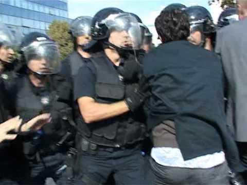 Protesta kundër nënshkrimit të kontratës për Privatizimin e KEDS  17.10.2012