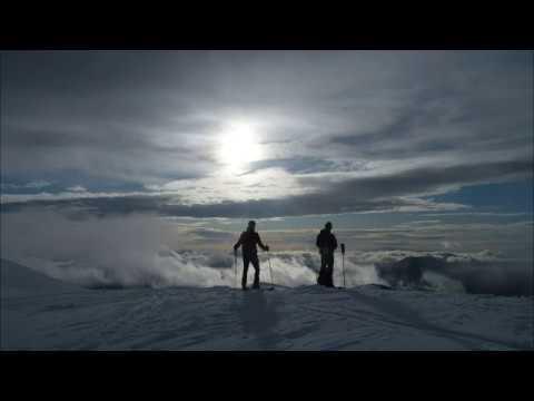 Ascensión y descenso con esquís al Pelopín y Erata
