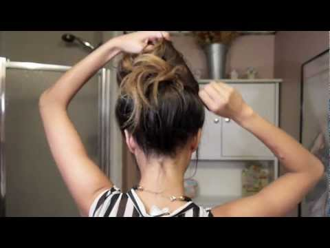 Easy messy bun tutorial