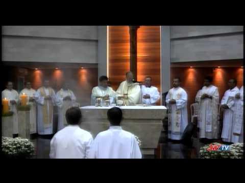 Festa na Par�quia Santa Terezinha re�ne centenas de cat�licos