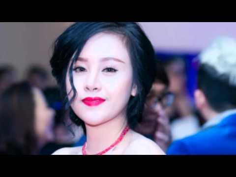 """"""" Bà Tưng """" lộng lẫy hút hồn tại Zing Music Awards 2015"""