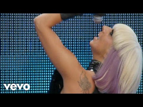 Смотреть клип Lady Gaga - Paparazzi (live)