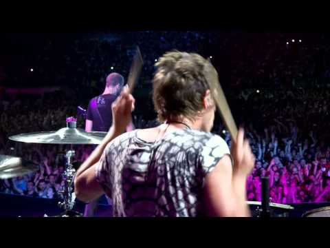 Plug In Baby (Live @ Rome Olympic Stadium)