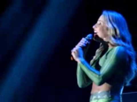 Claudia Leitte - Bizarre love triangle // A camisa e o botão