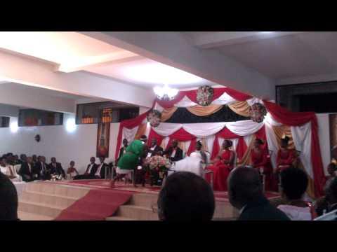Un mariage au Burundi: tambours par Intatana