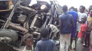 Accident Train vs bus Tata à Rufisque