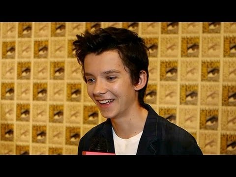 Asa Butterfield Shares His Harrison Ford Intimidation | Comic-Con 2013