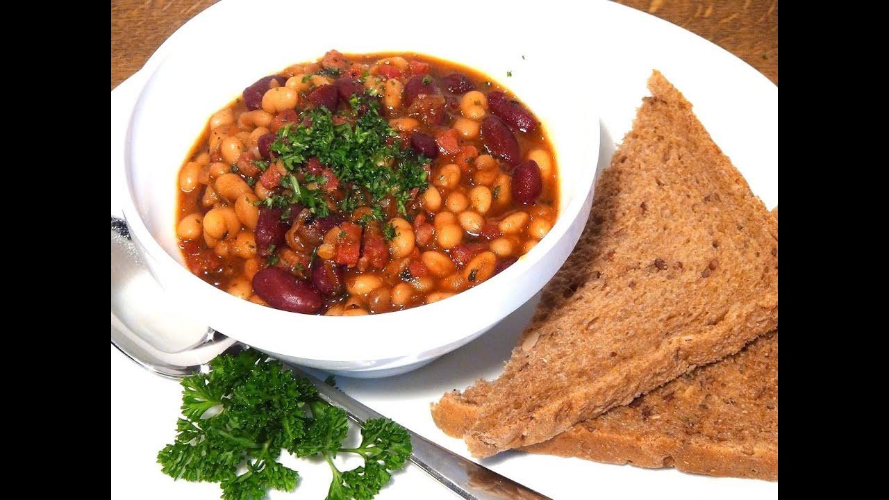 Western Bohnen / Baked beans art - YouTube