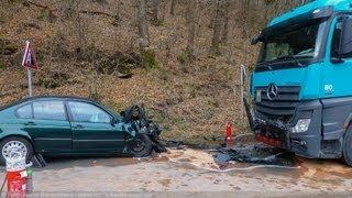 NRWspot.de | Hagen-Priorei – Schwerer Verkehrsunfall zwischen PKW und LKW