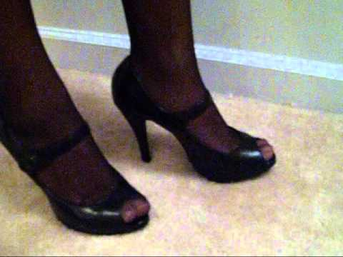 Wearing Tights With Open Toe Shoes Demonstration Tutorial