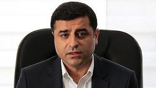 النيابة التركية تطالب بسجن الزعيم الكردي دمرتاش 142 عاماً   |   قنوات أخرى