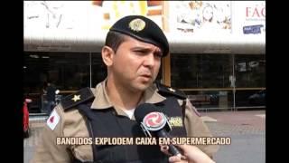 Bandidos explodem caixa eletr�nico em supermercado em Ita�na
