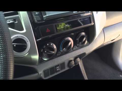 2015 Toyota Tacoma TRD Sport 4x4 Super White detailed