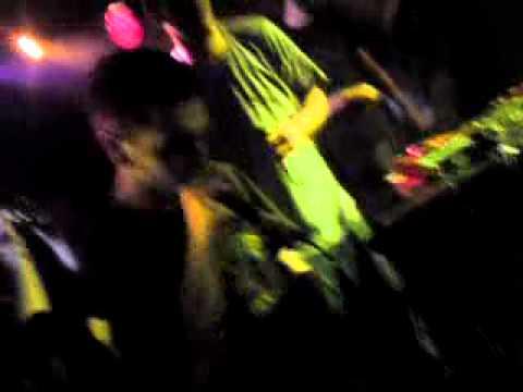 Bong Da City-Είναι Το Bong live @ An club 21/1/2011