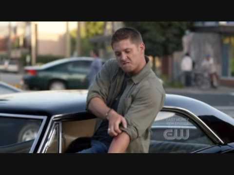 Supernatural Dean singing ''Eye of the tiger'', Dean singing Eye of the tiger with real scene first