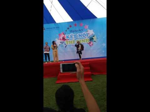 Anh không đòi quà - BB Trần at Đại Học Văn Hiến 30/07/2016