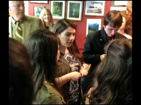 Stephenie Meyer's Surprise Visit to Forks In 2013