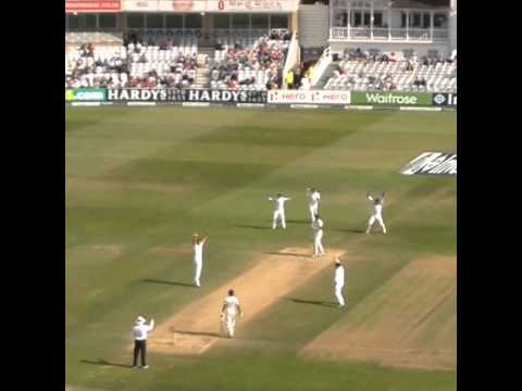 Alastair Cook's Maiden Test Wicket