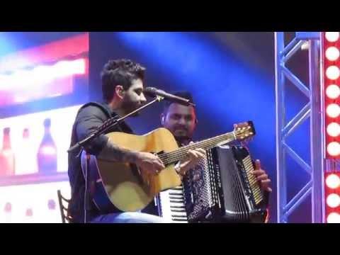Gusttavo Lima - Fest Country Timóteo 2015 - ( Modão - Voz e Violão)
