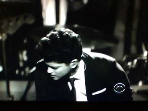 Bruno Mars Grammys Performance 2011! Full Video!