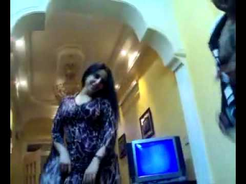 arab women dance -  jolie femme arabic