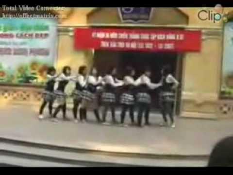 Hanoi Phan Đình Phùng highschool girls show hang