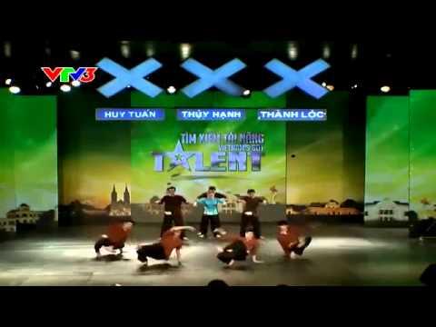 HipHop Bà Tôi - Gió Mới at Viet Nam's Got Talent 2013.flv