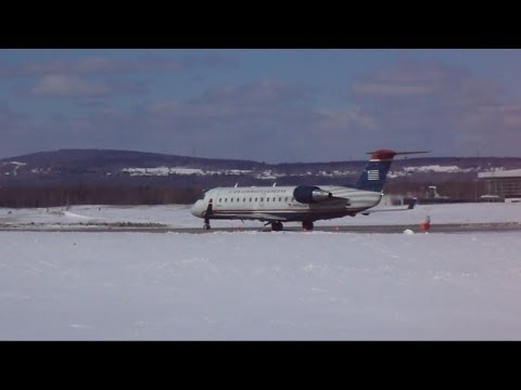 US Airways CRJ-200 Awesome Jet Blast + Take off at YQB (3/8/14)