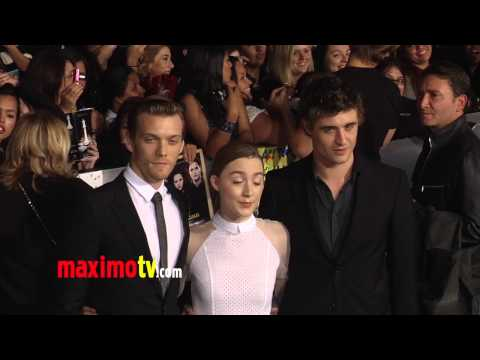 "Saoirse Ronan TWILIGHT ""Breaking Dawn Part 2"" Premiere ARRIVALS"