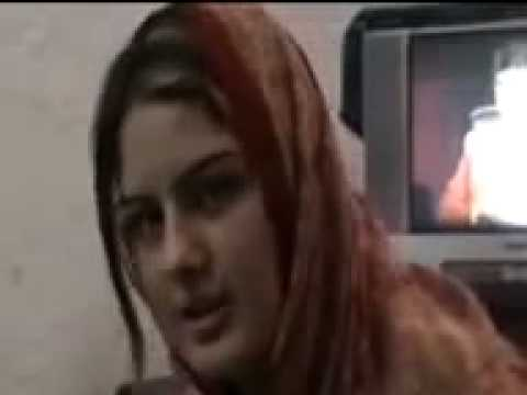 GHAZALA JAVEED -31- LIVE - - IN A RooM - No abuse in coMMent -by sethi.flv
