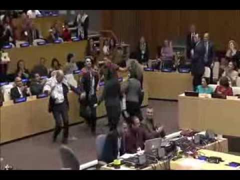 محمد عساف يغني في الأمم المتحدة بنيويورك